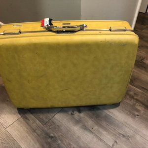 Vintage American Tourister Hard-side Suitcase